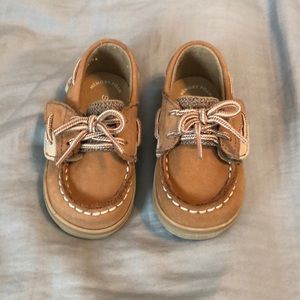 Adorable SPERRY boat shoes!!
